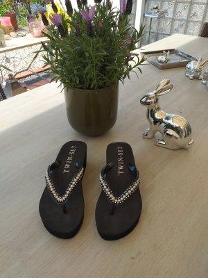 Twin set Toe-Post sandals black