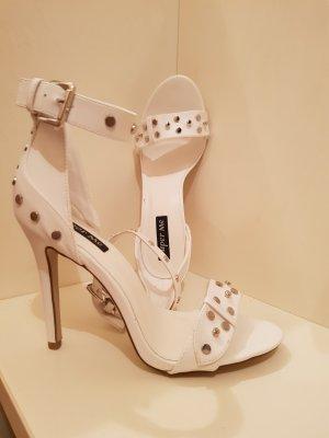 Sandalette - High-Heel - reinweiß - silberfarbene Nieten - NEU