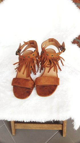 Sandalette mit Absatz in Größe 39