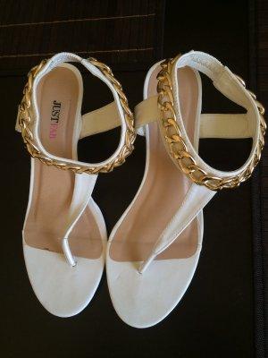 Sandalette mit leichtem Keilabsatz
