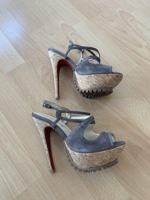 Sandalette mit Plateau Fersengold
