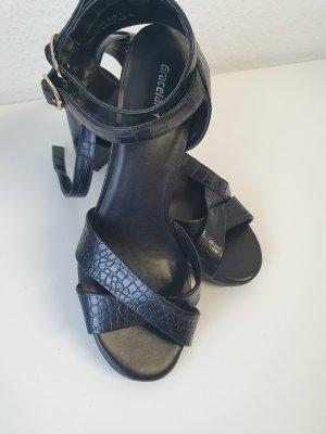 Sandalette mit Schlangenmuster