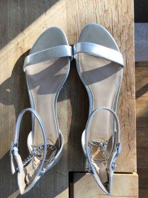 Guess Sandalo con cinturino e tacco alto nero beige elegante