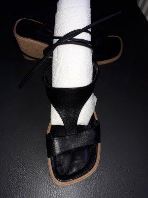 Sandales à talons hauts et lanière noir-brun sable cuir