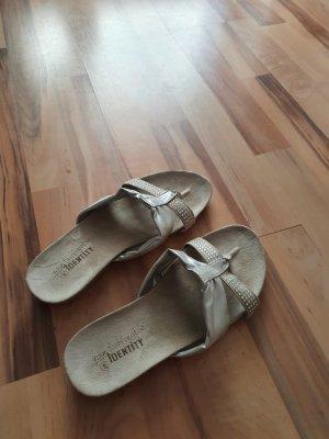 Identity Sandalo toe-post argento-grigio chiaro