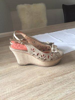 Sandaletten beige mit Blumenmuster