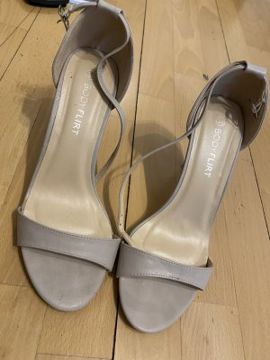 BODY FLIRT Strapped High-Heeled Sandals cream