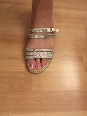 Sandalen met bandjes en hoge hakken brons