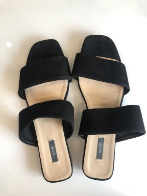 Kiomi Strapped High-Heeled Sandals black