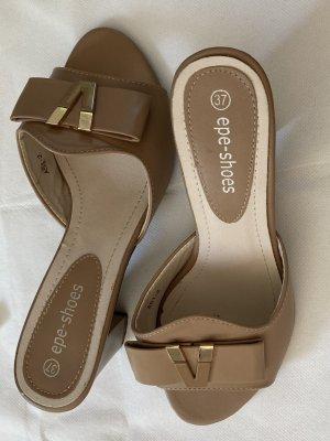 Sandaletten in beige. Gr.37