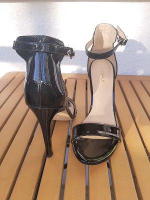 Sandaletten in Lackoptik