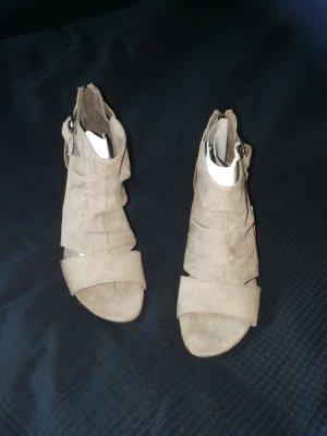 Sandaletten in taupe - ungetragen