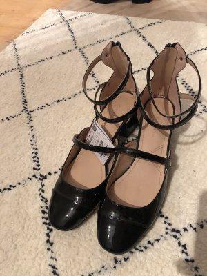 Sandaletten mit Absatz in schwarz