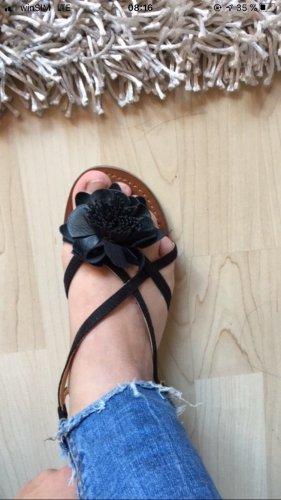 Sandaletten mit Blume von Buffalo