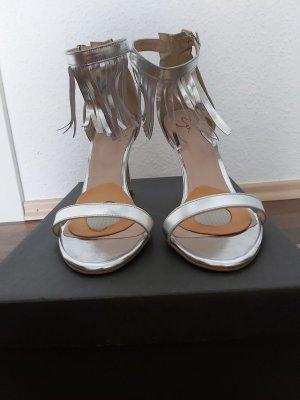 Sandaletten mit Fransen