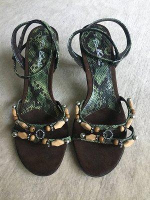 Sandaletten mit Perlenriemchen