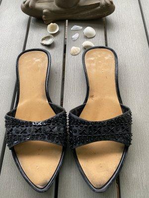 Sandaletten mit Perlenverzierung Schwarz