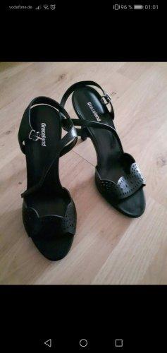 Sandaletten mit Verzierung /Hohe Schuhe / High Heels