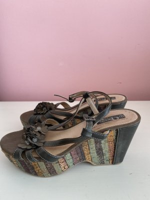 Queens Platform High-Heeled Sandal grey brown leather