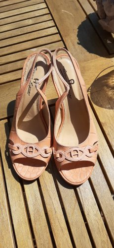Aigner Strapped pumps apricot
