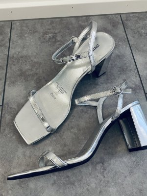 H&M Strapped High-Heeled Sandals silver-colored
