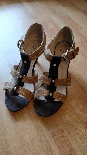 Sandaletten von Pilar abril