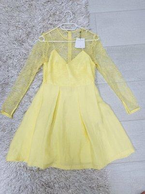 Sandro Kleid mit Spitze gelb Gr. 38 neu
