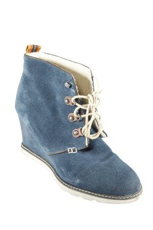 Sansibar Keil-Stiefeletten dunkelblau Street-Fashion-Look