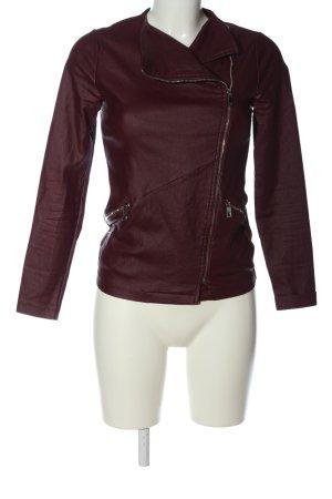 Sarah Kern Between-Seasons Jacket red casual look