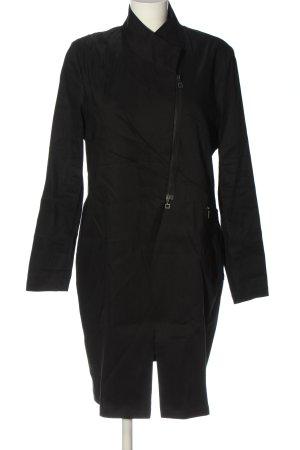 Sarah Pacini Between-Seasons-Coat black casual look