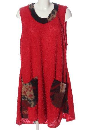 Sarah Santos Mini Dress graphic pattern casual look