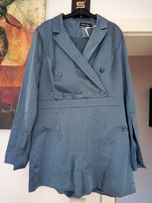 Lavish Alice Kurzer Jumpsuit pale blue