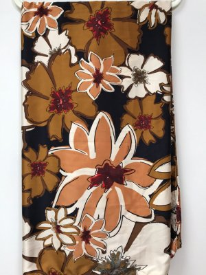 Satin Tuch, Schal, Halstuch, Blumenprint, Herbst-Motiv, Autumn, Zara, 125x125