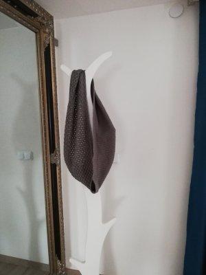 Sciarpa all'uncinetto grigio
