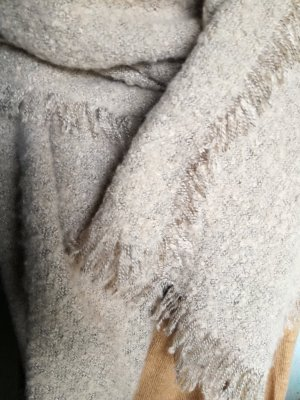 Knitted Scarf beige