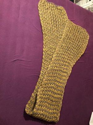 Écharpe en crochet brun sable-ocre