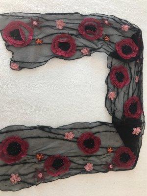 Schal aus Tüll