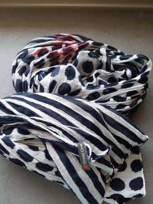 Schal Blau mit Punkten