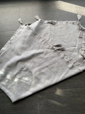Zara Bufanda de flecos gris claro