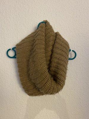 Bershka Sciarpa lavorata a maglia color cammello
