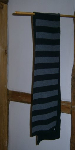 Knitted Scarf grey-black