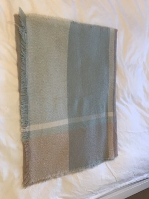 Schal in nude Farben