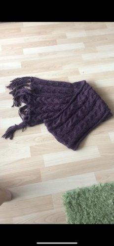 Bufanda de ganchillo violeta amarronado-lila
