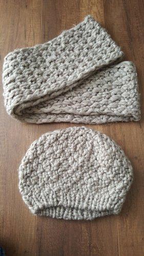 Schal mit der passenden Mütze