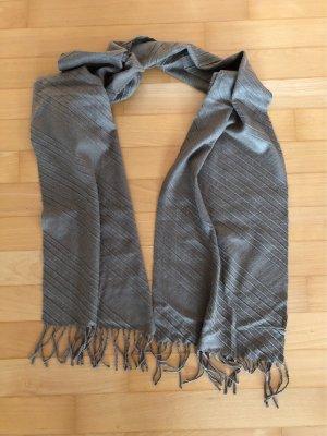 Écharpe à franges gris brun