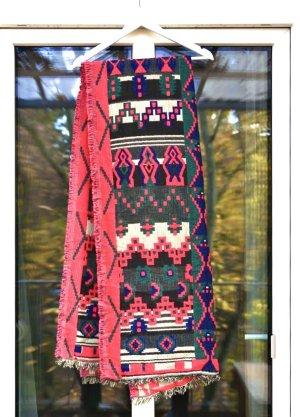 Schal mit geometrischen Muster