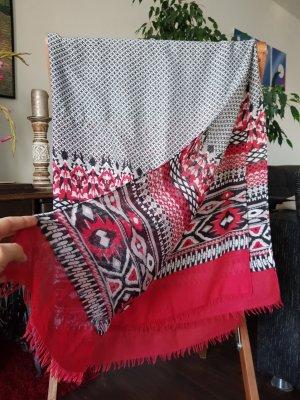 Schal mit geometrischen Muster ZARA
