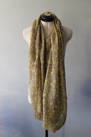 Schal mit grünen Sternchen