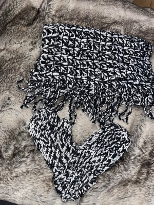 Blue Motion Knitted Scarf black-white