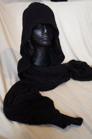Schal mit Kapuze